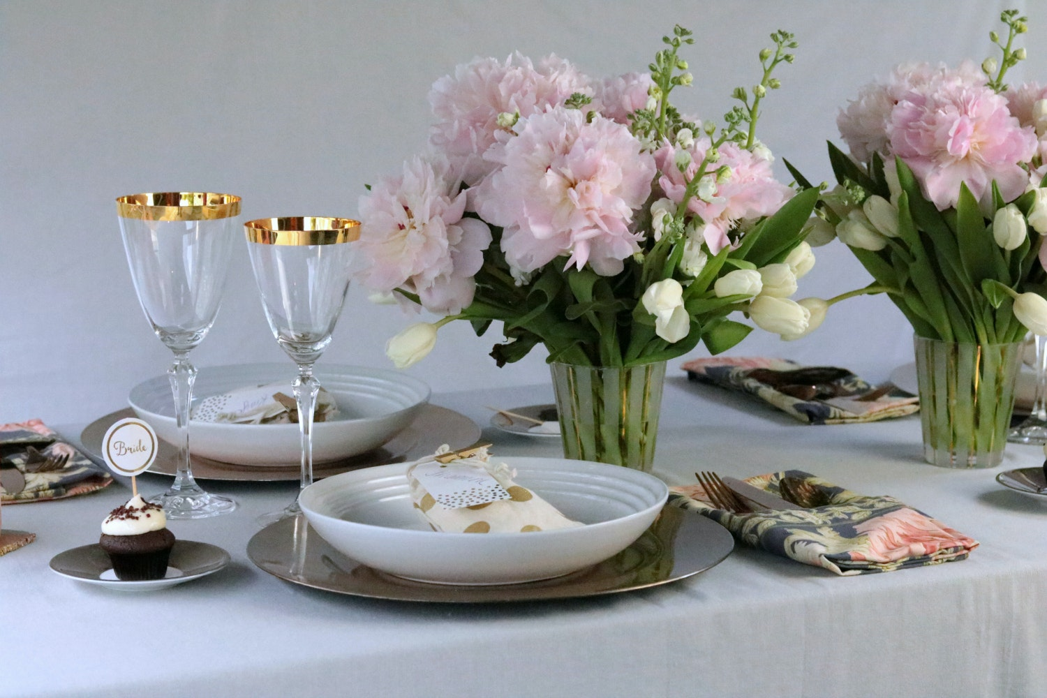 1 Gold Inspired Bridal Shower Tablescape Krayl Funch For Iha 3138