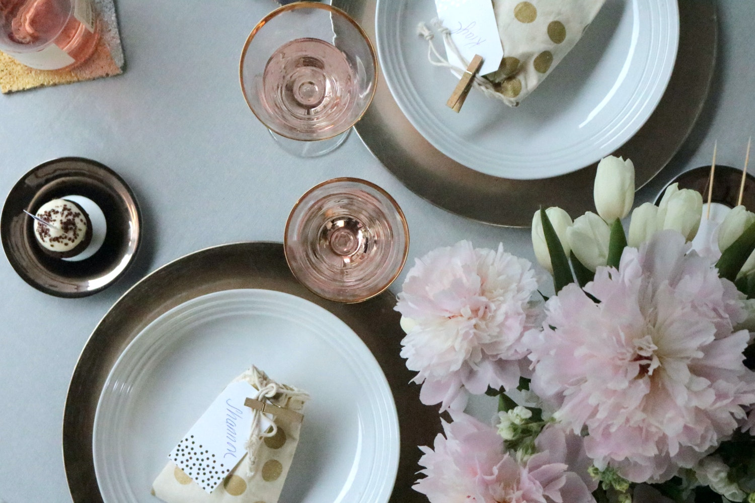 5 Gold Inspired Bridal Shower Tablescape Krayl Funch For Iha 3204