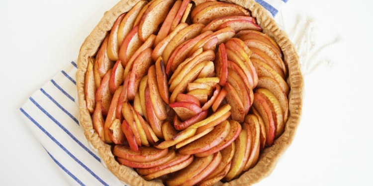 This No-Sugar Added Apple Tart Will Help You Love Healthier Sweeteners