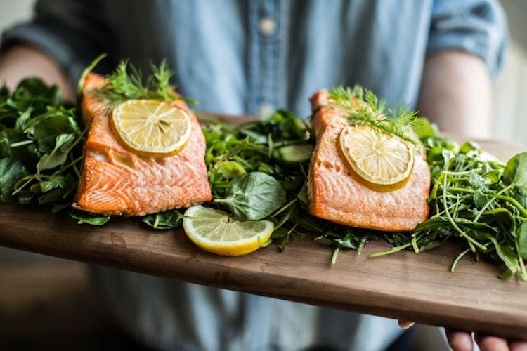 Simple Lemon Dill Salmon & Mache Salad