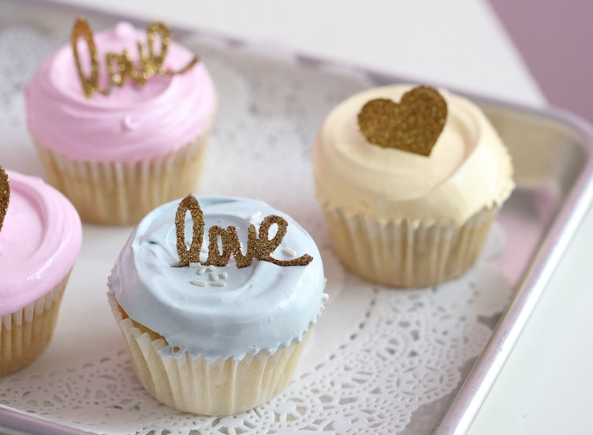 Sweet Vanilla Cupcakes with Delicious Angel Feather Icing