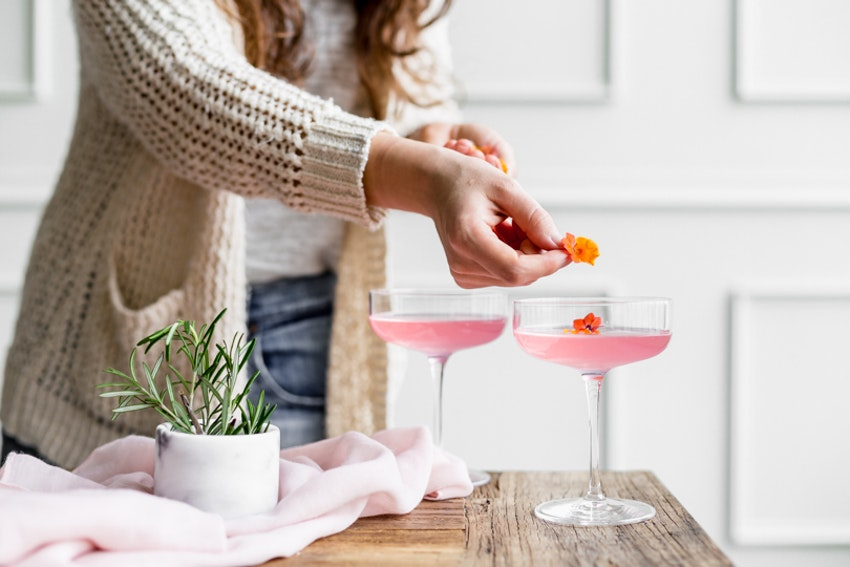 Mix Cocktails with Flowers This Spring: Hibiscus Daiquiris