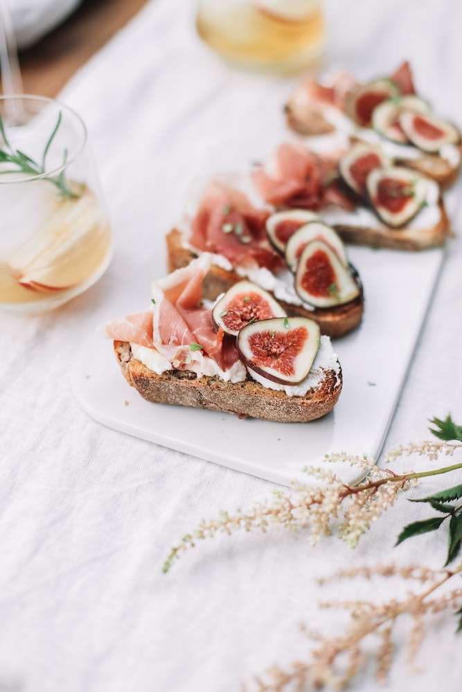 Fig & Prosciutto Crostini You Should Make for Your Next Party