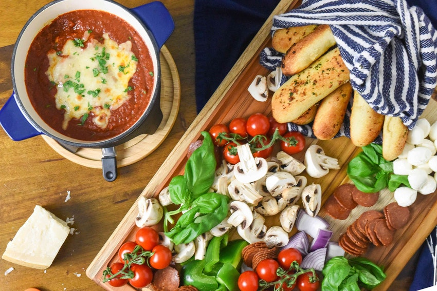 Pizza Fondue Is a Family Dinner Slam Dunk