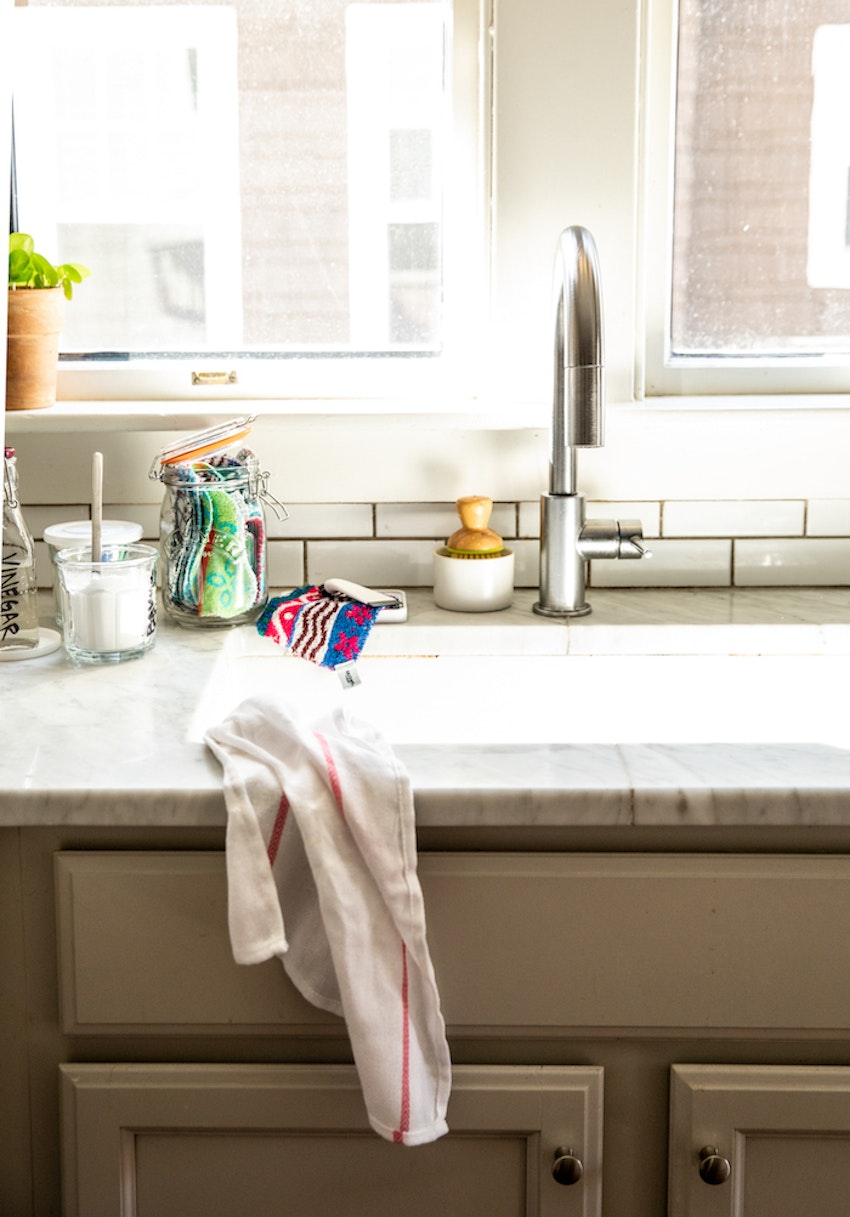 How to Clean Your Porcelain Farmhouse Sink