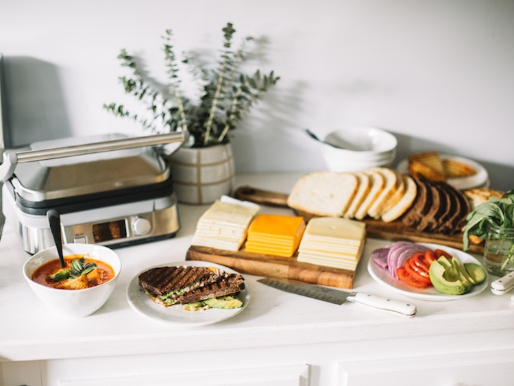 Put Together a Grilled Cheese and Tomato Soup Bar for a Toasty Winter Party