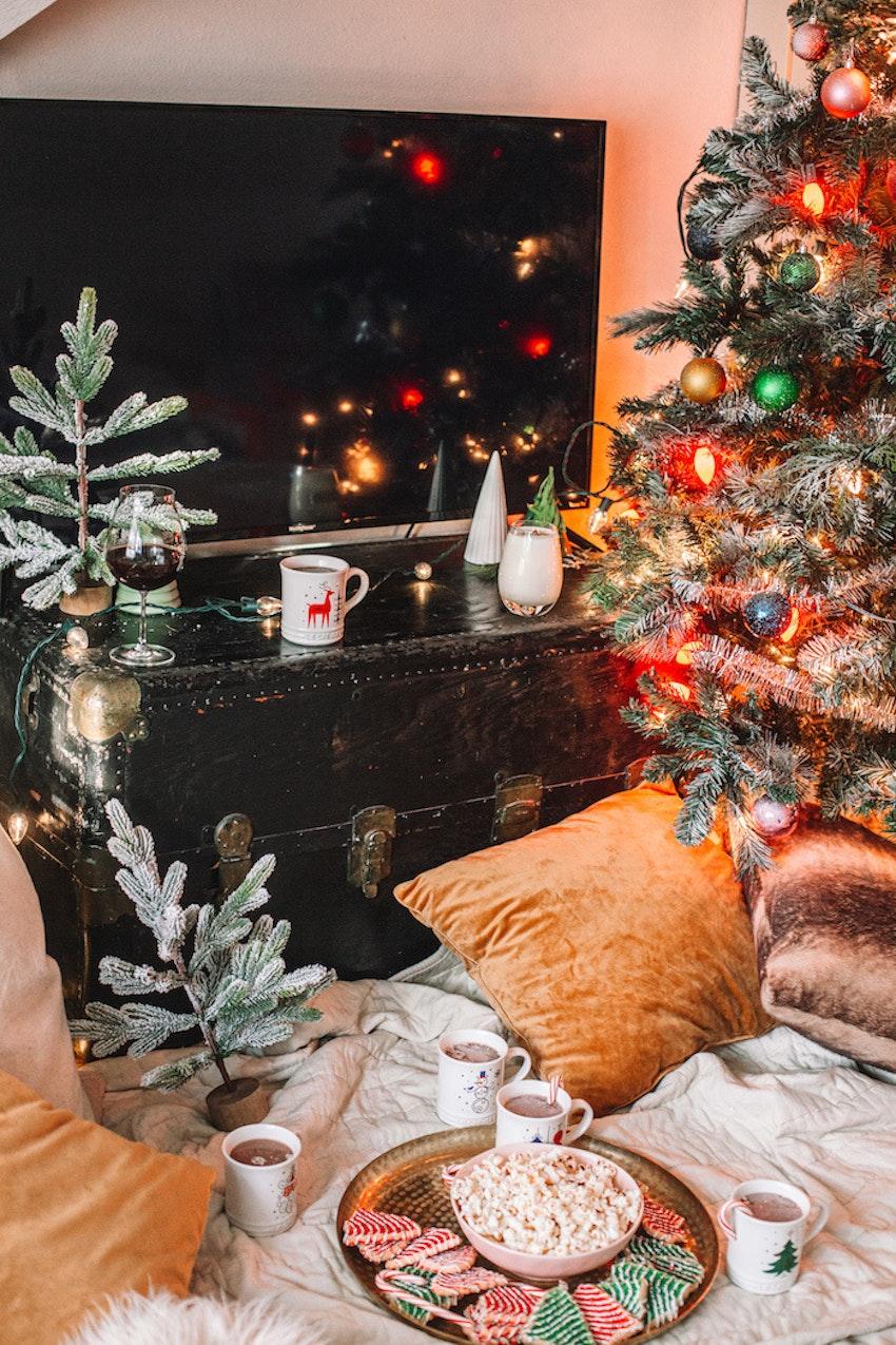 How to Throw the Ultimate Hallmark Christmas Movie Night