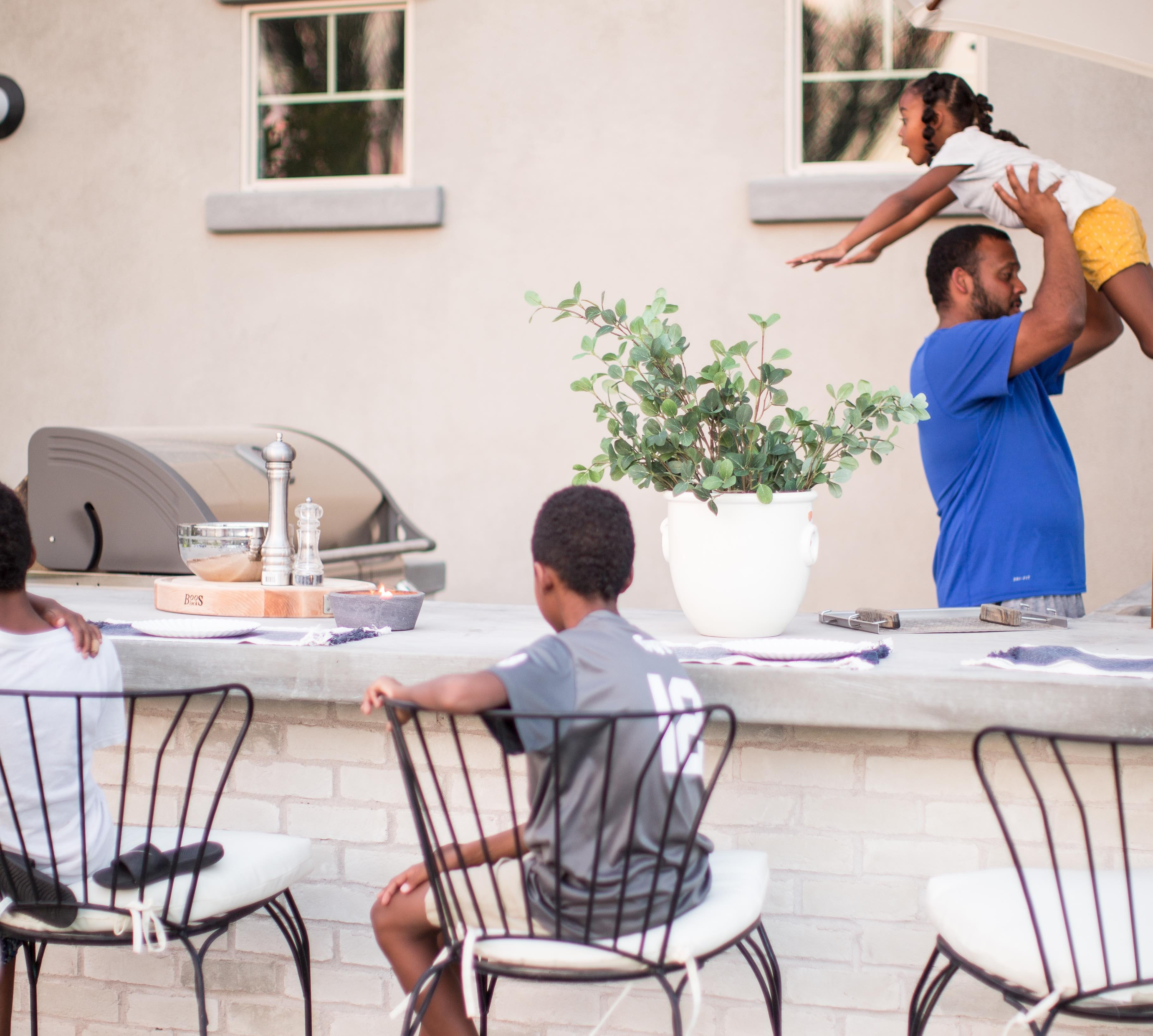 How to Organize Your Outdoor Kitchen Or Grill Area for Maximum Efficiency