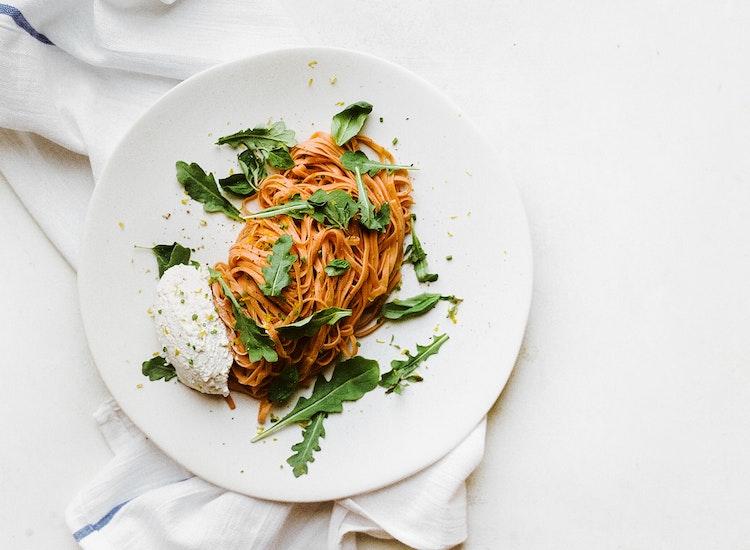 Tomato Noodle Pasta with Fresh Arugula and Ricotta Cheese