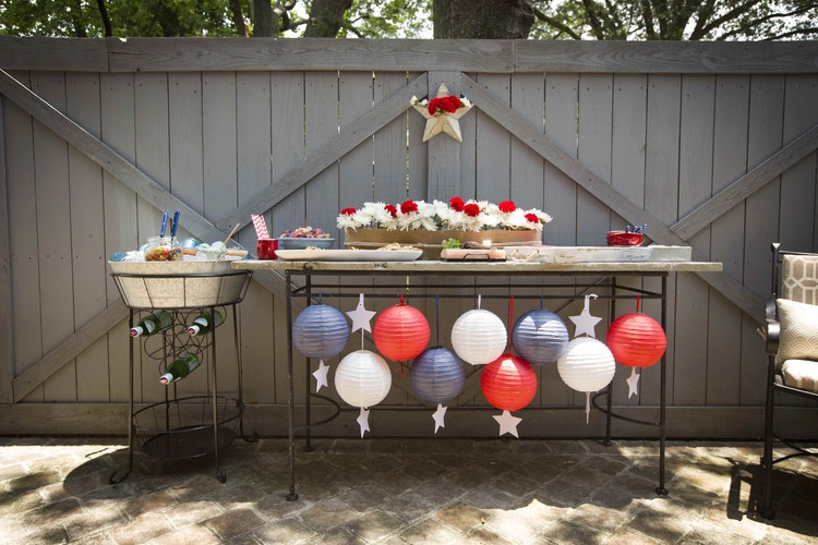 Host an Amazing Pre-Fireworks Get Together in the Backyard