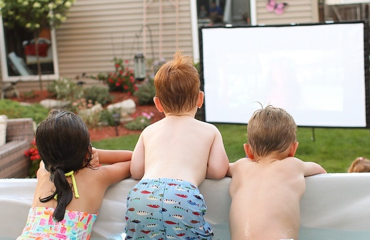 Everything You Need to Throw an Outdoor Movie Night