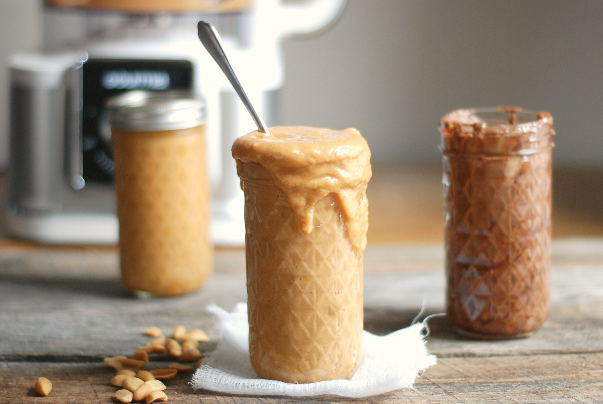 How to Make Homemade Nut Butter