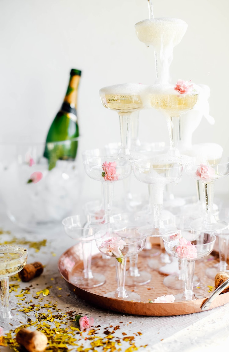 Throw a Last Minute New Year\'s Eve Party at Home | The Inspired Home ...