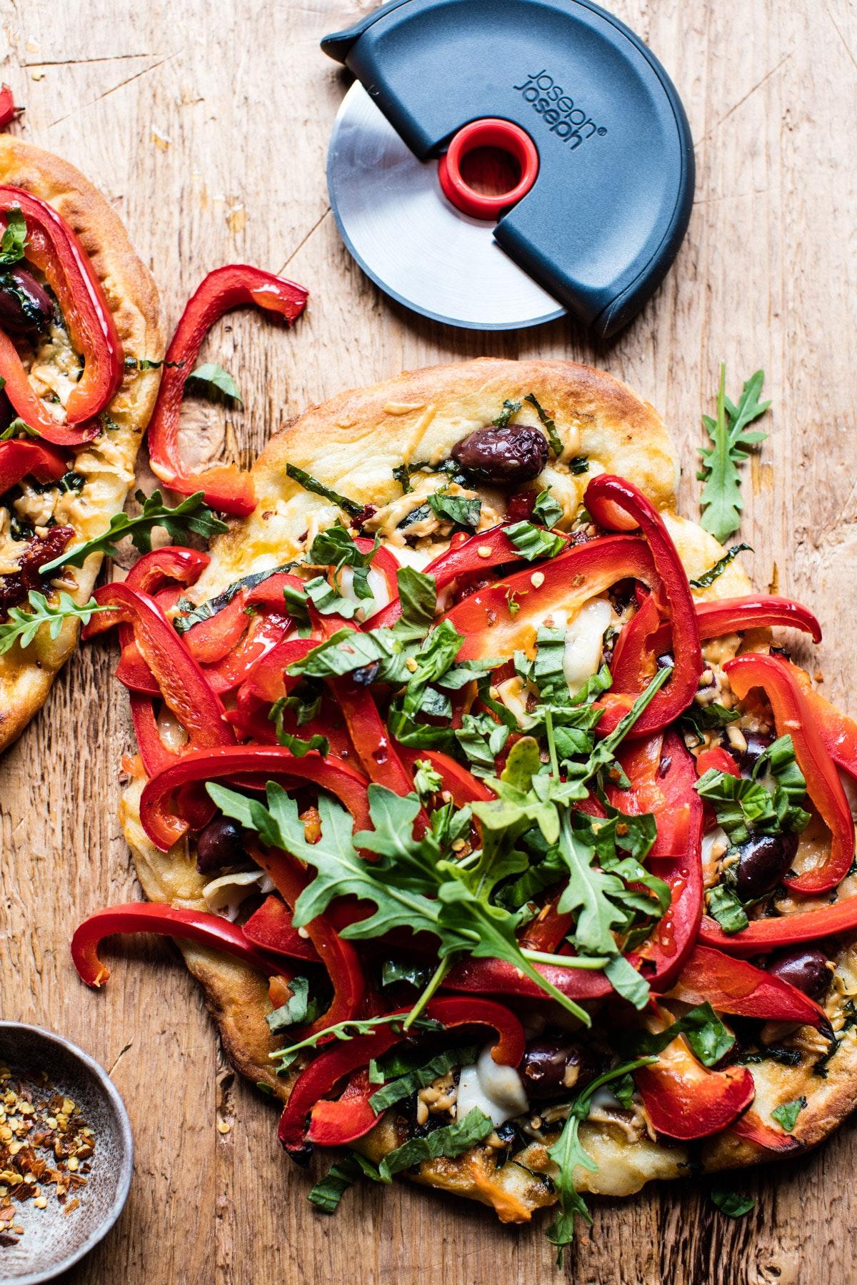 Loaded Veggie Naan Pizza 4