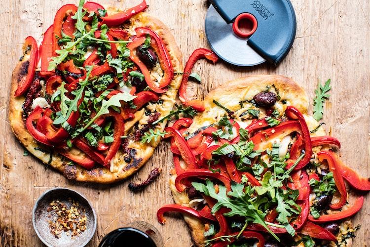 Loaded Veggie Naan Pizza