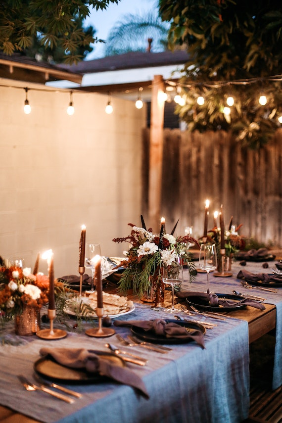 This Moody Fall Dinner Party Is a Total Vibe