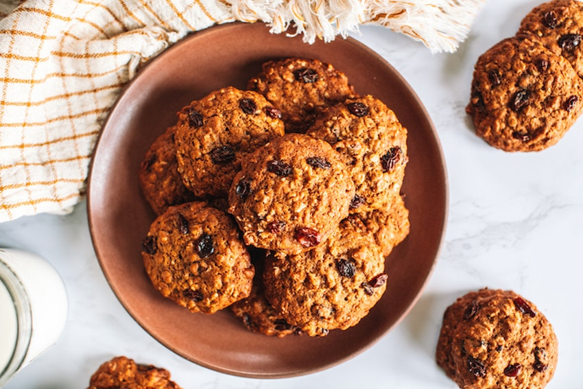 The Best, Chewiest Oatmeal Cookies