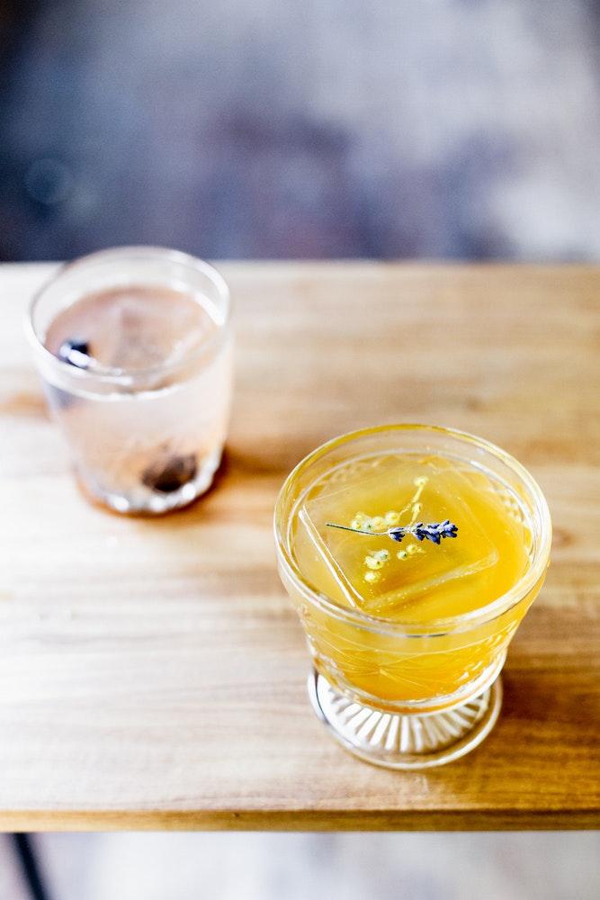 Old Fashioned Bar 8