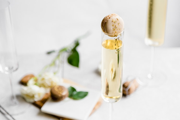 Golden Champagne Cocktails Inspired by the Oscars