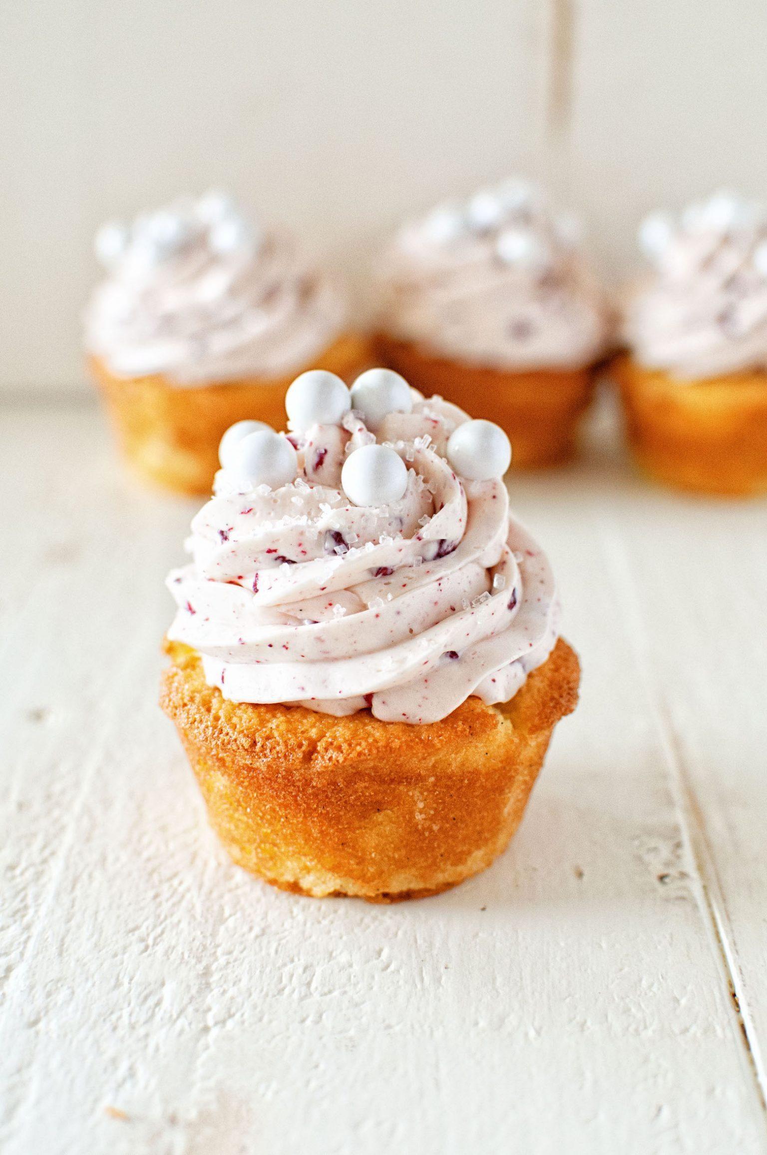 Raspberry Mimosa Cupcake 03 768X1156@2X