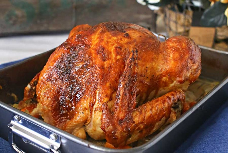 How to Host Thanksgiving Like a Boss