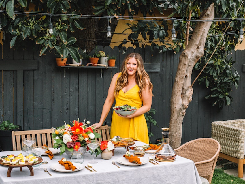 A Gorgeous Spring Table That Will Make You Want to Throw a Party