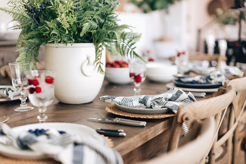 This Blue and White Table Setting Is Perfect for Any Summer Gathering