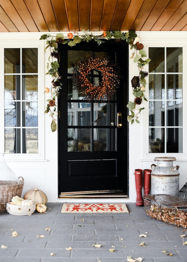 3 Ways to Dress Up Your Porch This Thanksgiving