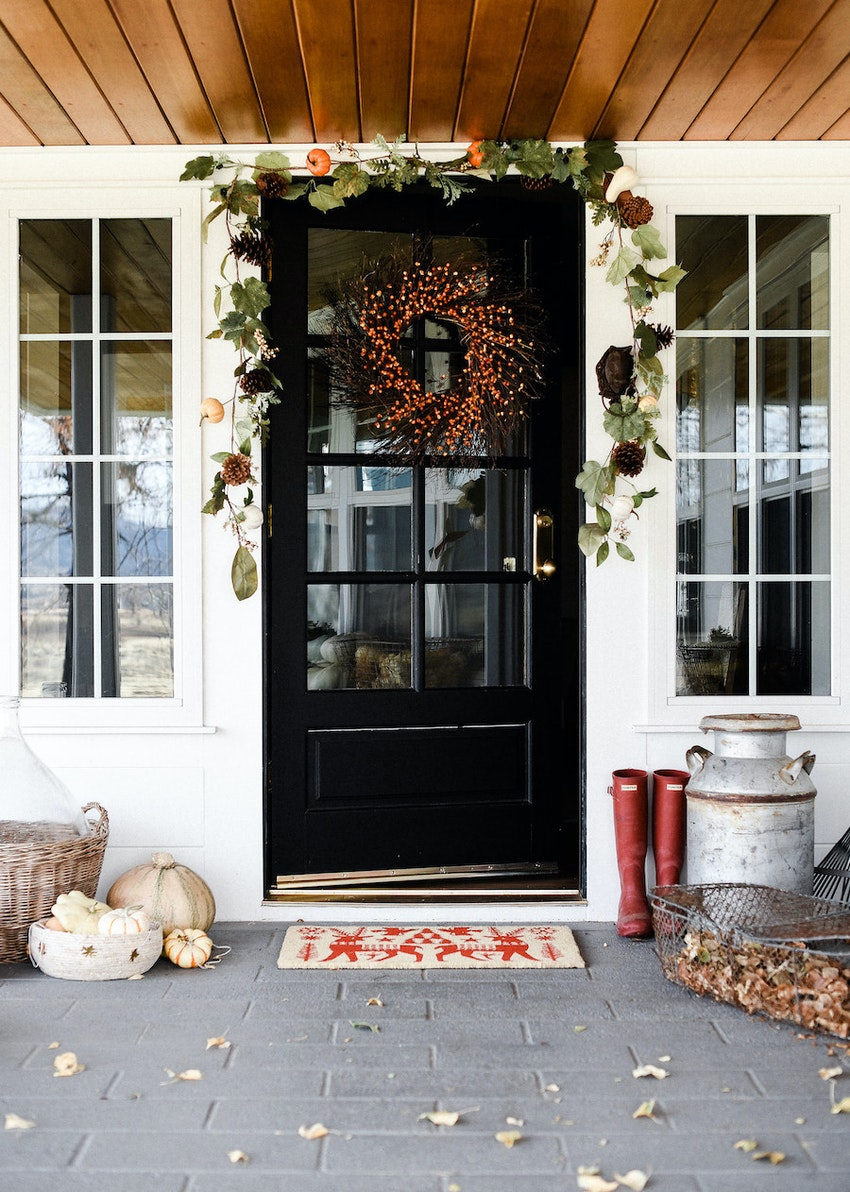 3 Ways to Dress Up Your Porch for Autumn