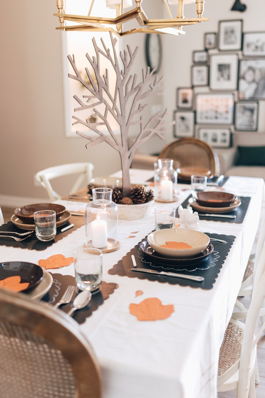8 Table Manners for Kids Just in Time for Thanksgiving
