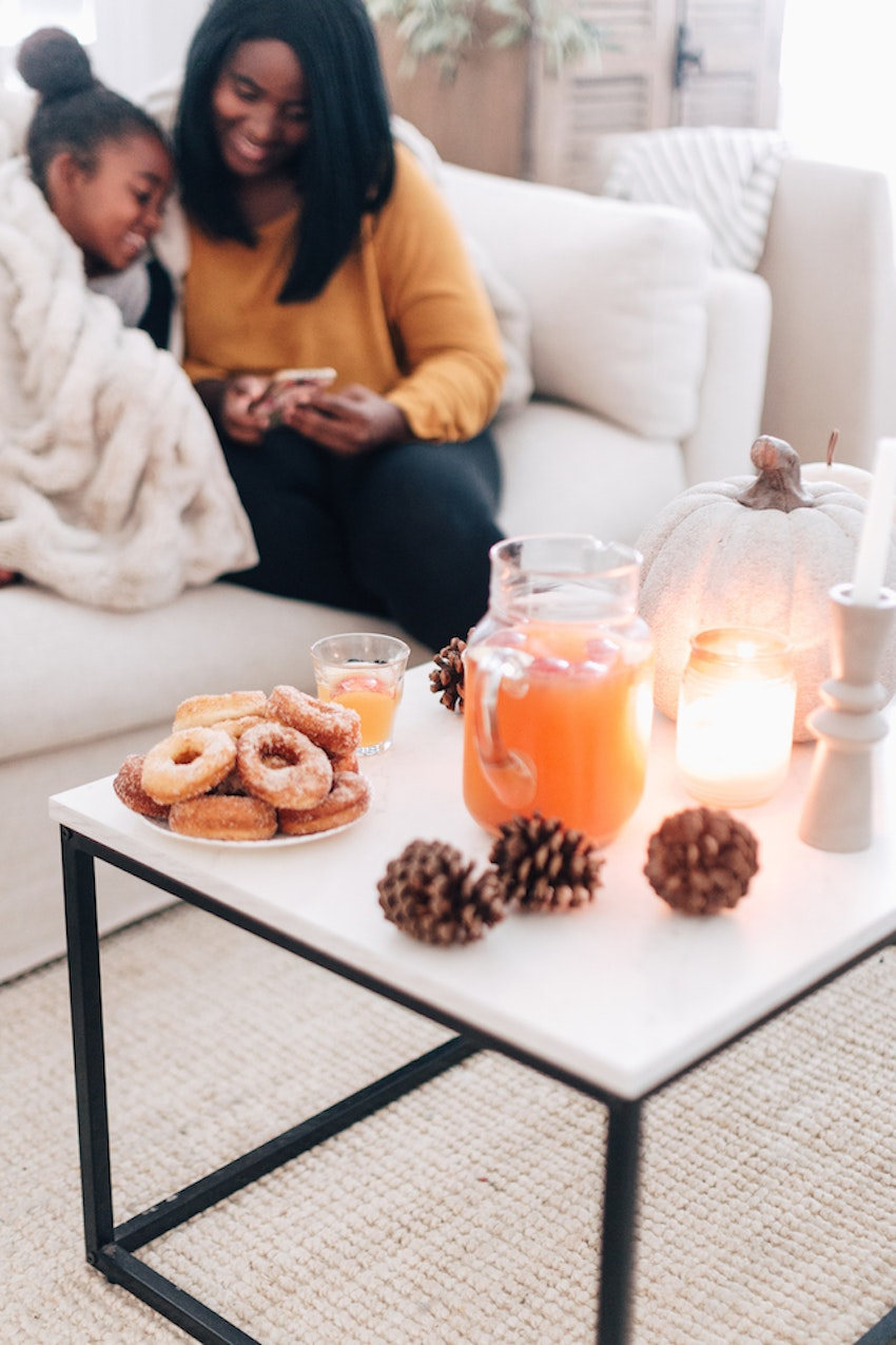 This Donut and Apple Cider Tea Date Makes for the Perfect Fall Afternoon