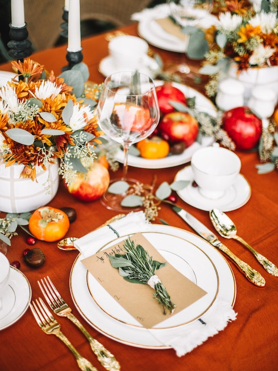 Traditional Modern Thanksgiving Table 11
