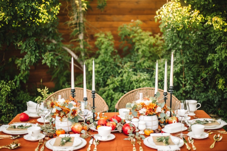 A Vintage Yet Modern Thanksgiving Table Setting
