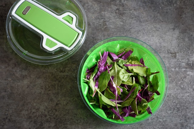 store-salad-in-spinner