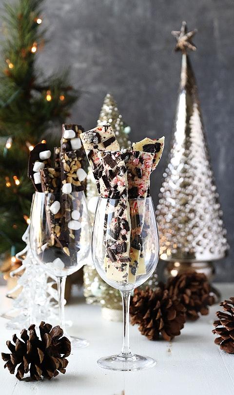 How to Make Homemade Dark Chocolate and White Chocolate Holiday Bark
