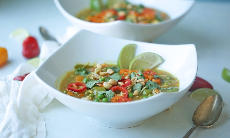 Slow Cooker Curry Chicken Noodle Soup Recipe