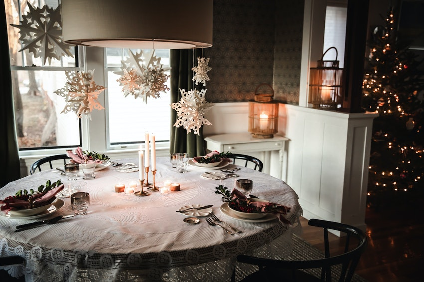 Mix Vintage with New for a Simple Holiday Tablescape