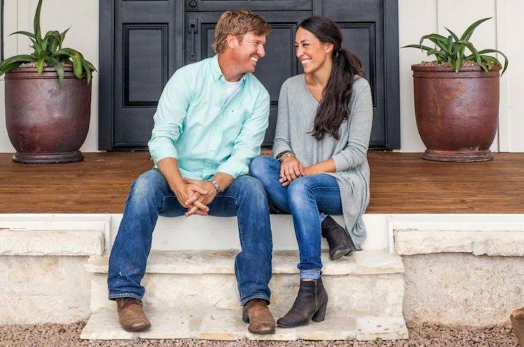 How To Decorate Your Home Fixer Upper Style Like Joanna Chip