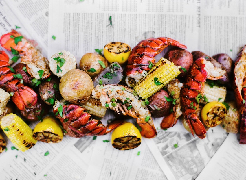 5 Steps to a Simple Summer Seafood Boil