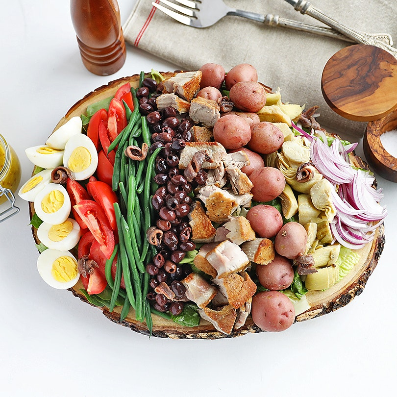 A Classic Niçoise Salad with Fresh Grilled Tuna