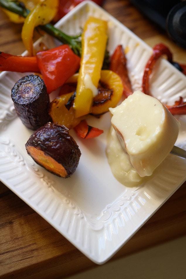 pretty-fondue-plates