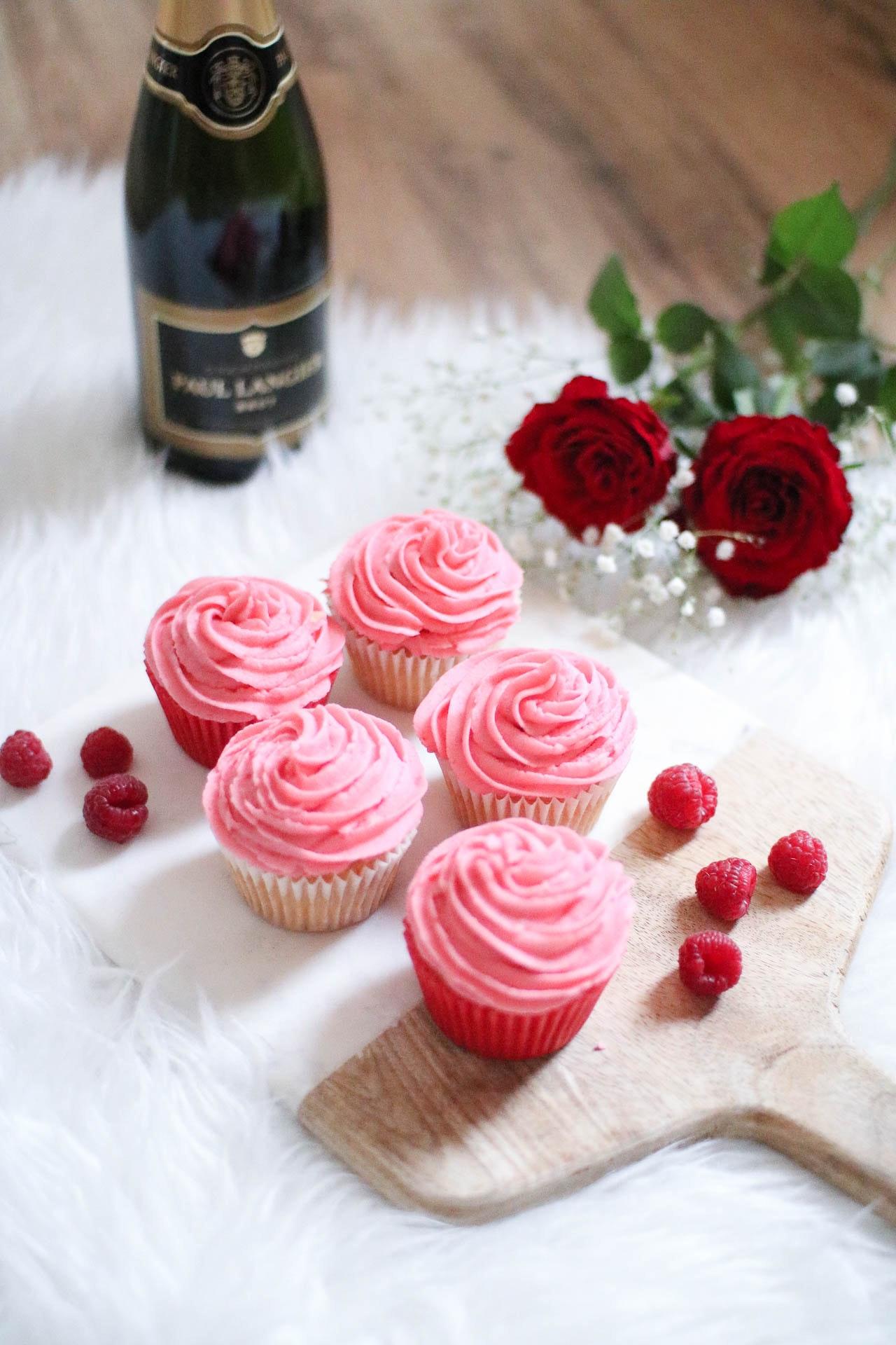 Prosecco Raspberry Cupcakes 4