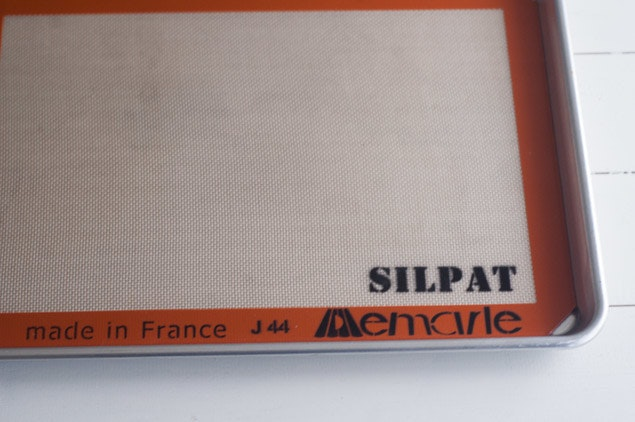 silpat-nonstick-baking-liners