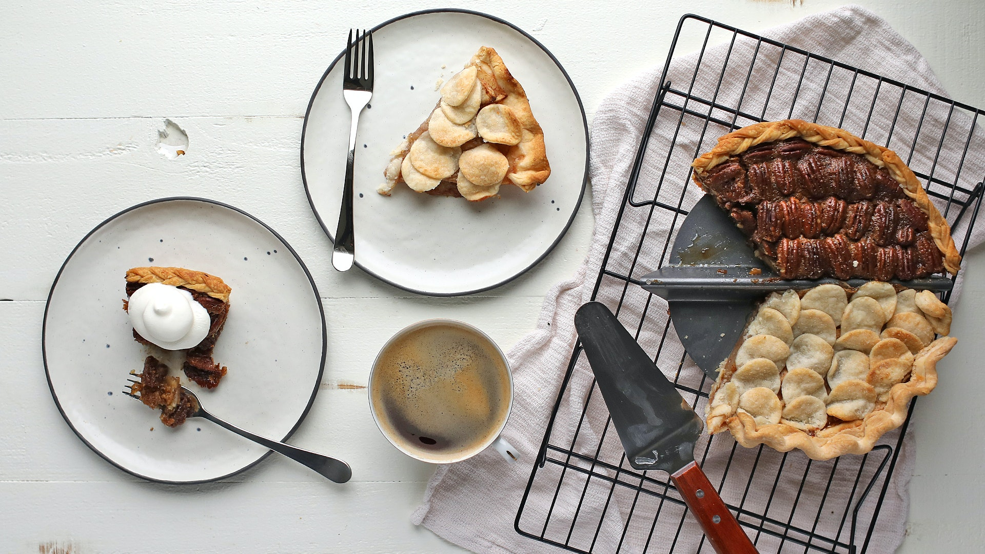 This Pan Lets You Make Two Pies At Once (For When You Have a Divided Household)